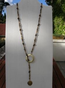 Halsband med halvädelstenar: tigeröga och Picture jaspis, handgjorda mässingsdelar.